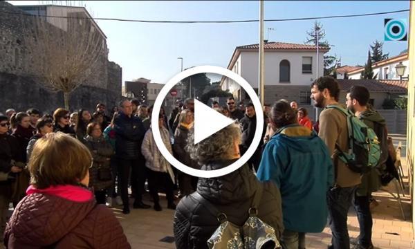 Una vuitantena de selvatans s'endinsen en una visita guiada pels espais de la repressió franquista al municipi