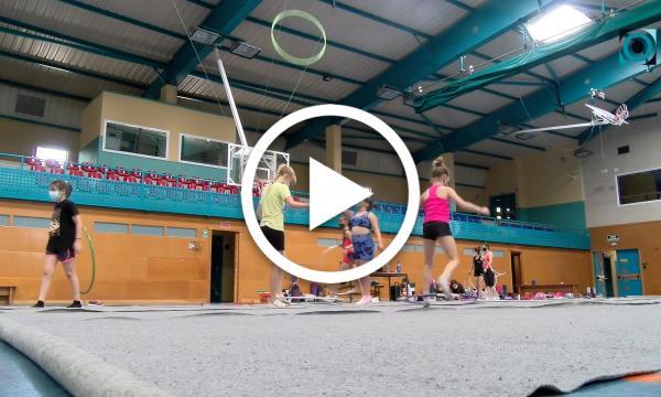 El campus de rítmica conjuga esport i lleure amb una vintena de selvatanes inscrites