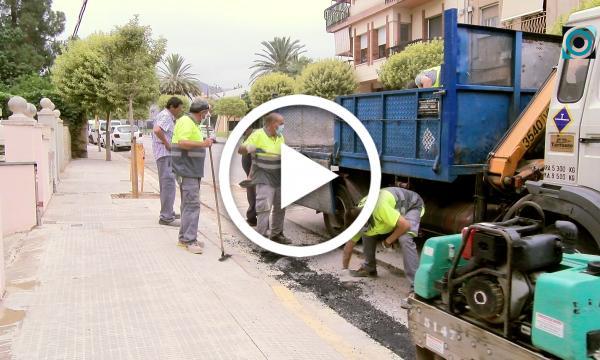 Finalitzen les obres per soterrar la línia telefònica aèria amb pals que quedava al carrer de l'Horta