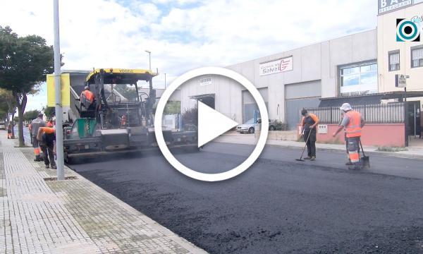 Comencen els treballs d'asfaltat al carrer de l'Energia